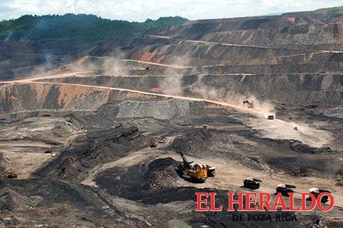 Minería a cielo abierto acaba con cerros anti-huracanes
