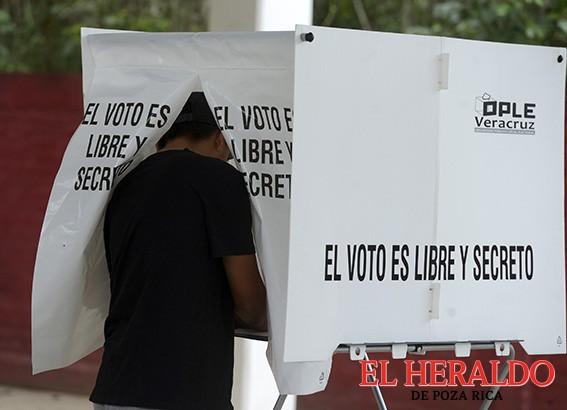 Se registran 322 observadores electorales