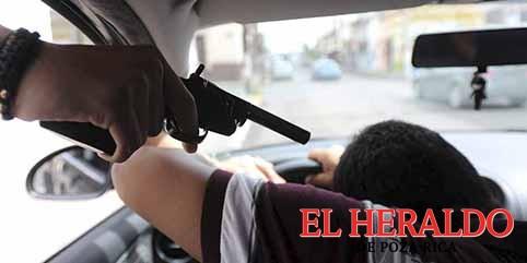 Más de 2 mil autos robados con violencia