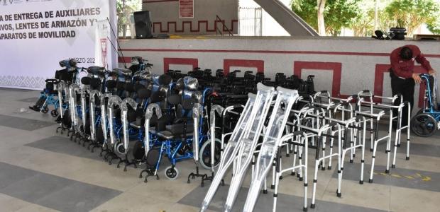 Gobierno apoya conaparatos funcionales