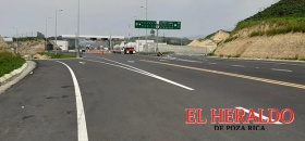 Bloquean la autopista Totomoxtle-Cardel