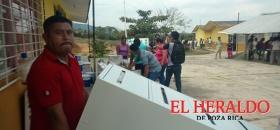 Servidores de la Nación, saquean Telesecundaria